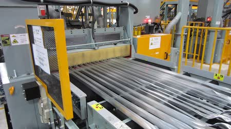alumínium : Saws for cutting aluminum. Stock mozgókép