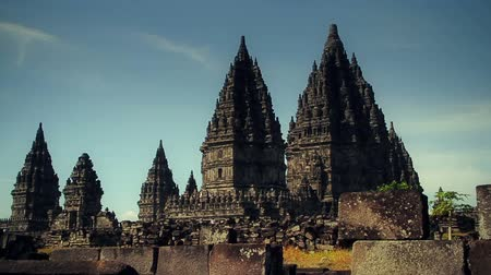 tapınaklar : Candi Prambanan is the Most Beautiful Hindu Temple in the World with 1000 temples Stok Video