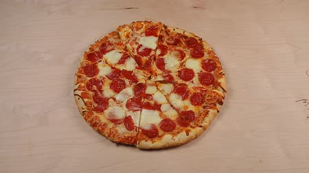 pişmiş : Hands taking pizza cuts - stop motion animation Stok Video