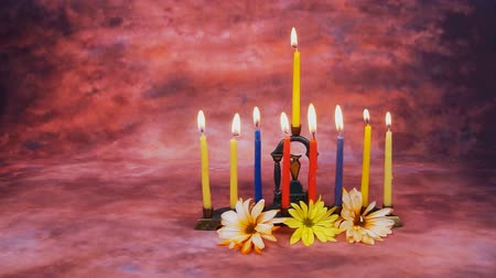jodendom : Verlichting Hanukkah Candles Hanukkah celebration Stockvideo