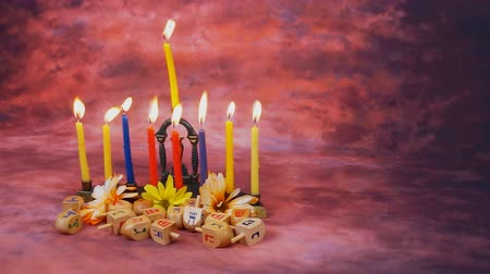 подсвечник : Lighting Hanukkah Candles Hanukkah celebration Стоковые видеозаписи