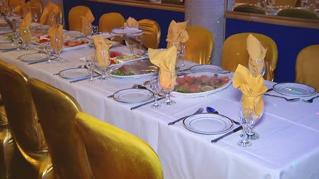 столовые приборы : Decorated table for a wedding dinner, beautiful table setting