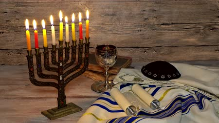 подсвечник : Jewish holiday, Holiday symbol Hanukkah Brightly Glowing Hanukkah Menorah