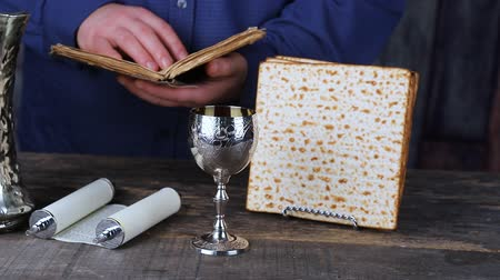 pascha : Passover Seder Plate with The seventh symbolic item used during the seder meal on passover Jewish holiday.