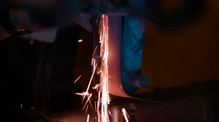 вспышка : Flying a lot of sparks. Close-up