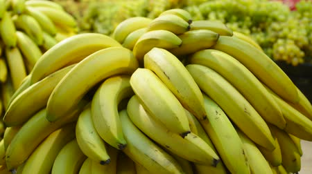 banan : Fresh Raw bananas in a counter of market