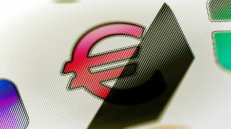 eur : The computer icon in the screen. Looping footage has 4K resolution. Prores 4444. 3D Illustration.