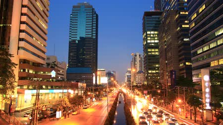 yolları : Bangkok traffic at dusk to night, time lapse