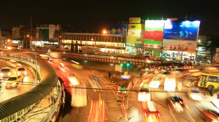encruzilhada : Traffic jam at night, time lapse