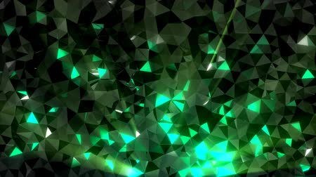 pedra preciosa : Low-poly green crystal dark waving surface with glowing light. 3D abstract background. Seamlessly looping video
