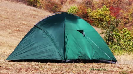 etkinlik : green tourist tent at wild nature