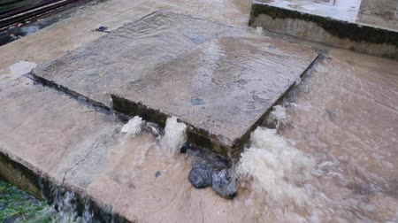 cement floor : Water from flooding overflow out at water pipe