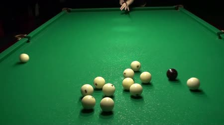 počátky : This is a beautiful natural video of Billiards Pool Break Starting Shot (Beginning Of The Game) Full HD...Really nice natural video with bright colors, pleasure feelings guaranteed!:) You can use this video in your original sport projects Dostupné videozáznamy