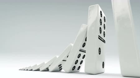 risco : Domino effect from little to big. A chain of dominos of increasing size.