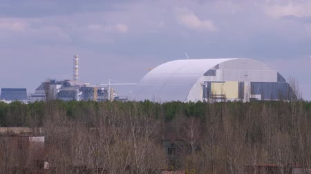 sarcophagus : Time-lapse. New safe shelter over reactor in the Chernobyl nuclear power plant.