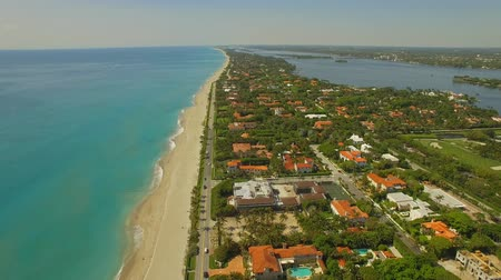 элита : Aerial footage. Flying above Palm Beach, luxury place for living and vacation. Florida 4K video