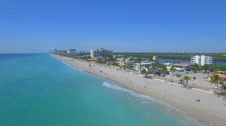 paraíso : Aerial footage of Hollywood beach. Florida, USA Flying in paradise)