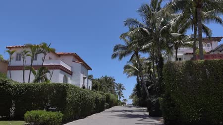 элита : Driving through West Palm Beach. Filming with stabilized camera. Palm beach - luxury place for living and vacation