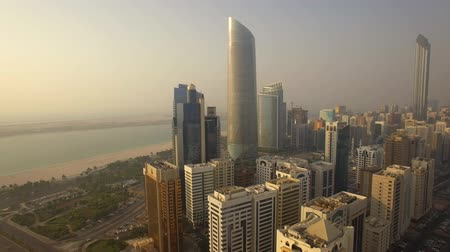 ОАЭ : Aerial view. Abu Dhabi cityscape from Corniche Beach.