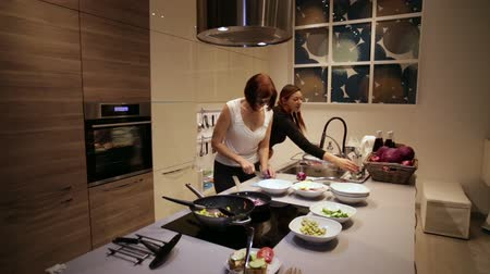 double happiness : Women are Cooking Steamed Vegetables