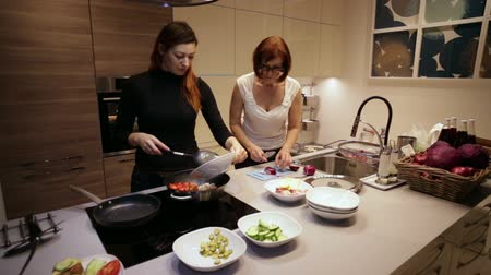 specialties : Women are Preparing Steamed Vegetables