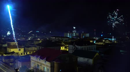 meia noite : New years Eve Fireworks over the city