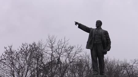 totalitarianism : a monument to Lenin