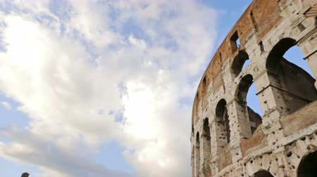 amphitheatrum : Timelapse of Roman Colosseum under the sky
