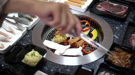 méz : Different foods cooked on the grill - Bar B Que buffet