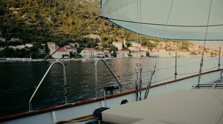yat yarışı : Inside the sailing yacht on the move Mediteranean sea. Stok Video