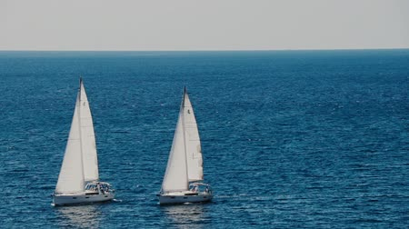 yat yarışı : A sailboats on the horizon in the beautiful Adriatic sea