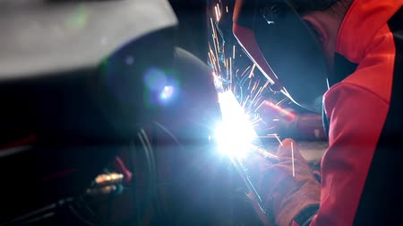 spawacz : Welding close up, metal processing Wideo