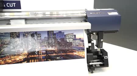формат : CMYK Roland Soljet plotter printing in typography