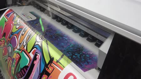 imagem digital gerada : UV printer head, close up view of printing process Vídeos