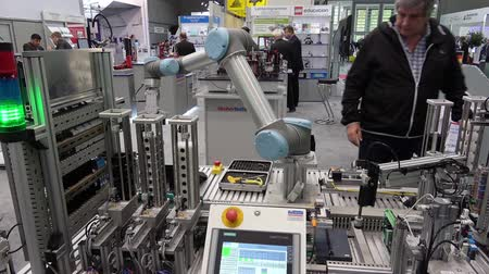 производитель : Universal Robots presenting practical examples show how flexible, simple and individual UR robots can be used for every requirement and application on Messe fair in Hannover, Germany