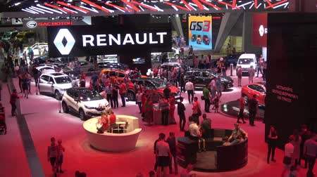 производитель : Renault exhibition stand on Moscow International Automobile Salon 2018 in Russia