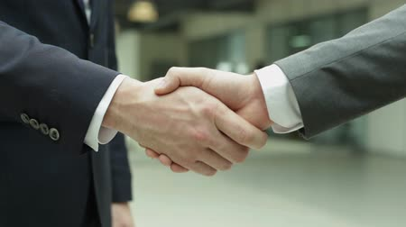 partnerstwo : Handshake of business partners Wideo