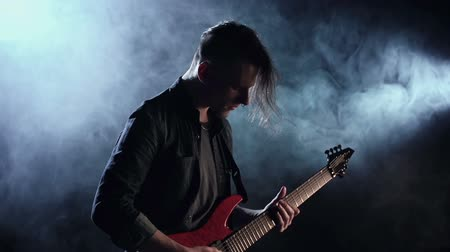 delirar : Slow motion of guitarist live performance
