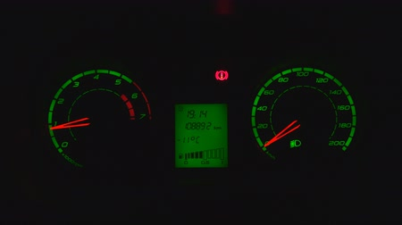 bitola : Dashboard green in the car at night