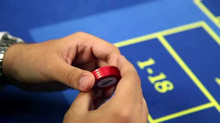 рулетка : Detail of placing the bet at roulette table