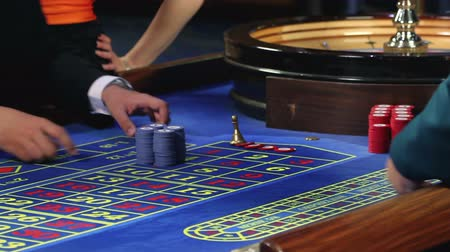 szerencsejáték : Betting all at roulette in casino
