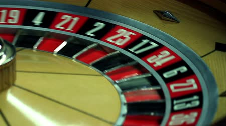 ruleta : Cerca de jugar a la ruleta Archivo de Video