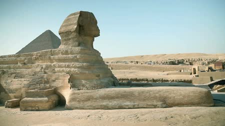 kahire : Panning huge sphinx from ancient Egypt times