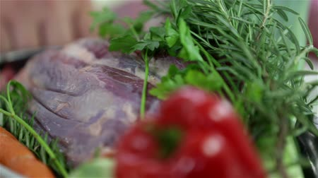 cutting up : Close up on turning plate with beef steak and vegetables Stock Footage