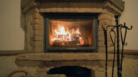 çatırtı : Fireplace zoom Stok Video