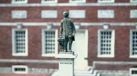 philadelphie : Statue in front of Independence Hall in Philadelphia, USA. Dostupné videozáznamy