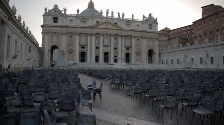 catedral : Special event in St. Peters Basilica in Vatican City. Shot of hundreds of chairs placed in the main square of St. Peters Basilica in Vatican City Stock Footage