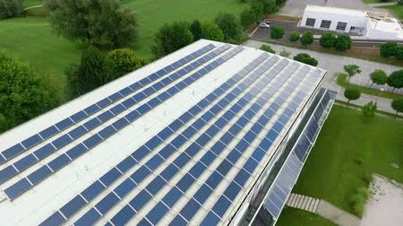 coletor : Mighty solar panels placed on the roof of the great building in Velenje, Slovenia. Stock Footage