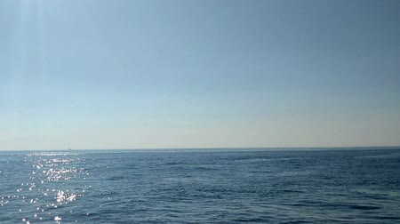 луки : A beautiful and peaceful sea in the summer. Its a sunny day.