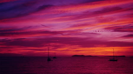 baleár : Sunset purple pink afterglow at the sea